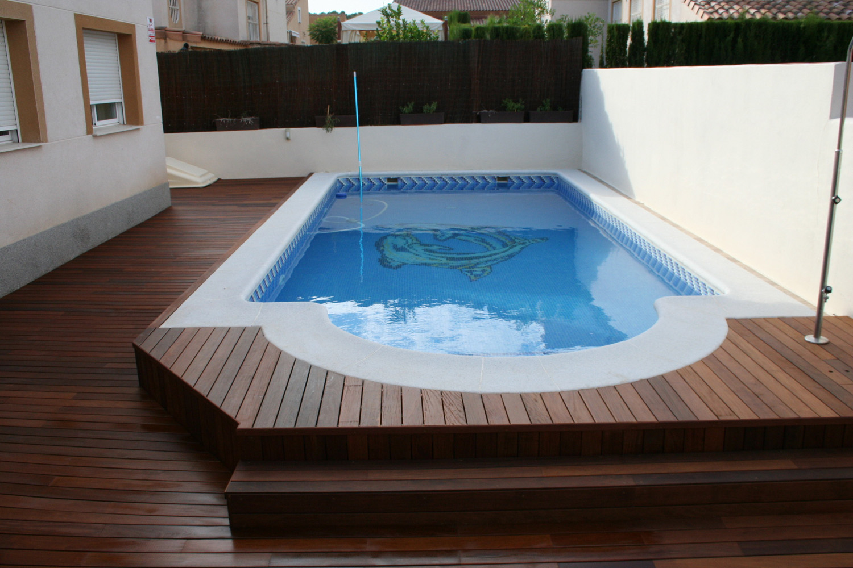 Tarimas de exterior para terrazas y piscinas for Piscinas de plastico para jardin