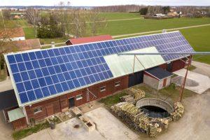 paneles solares en casas de madera